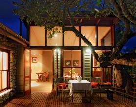 Deck Garden Lodge One-Bedroom Classic Suite2