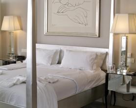 Deluxe One Bedroom Suite1