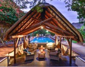 LB pool lounge