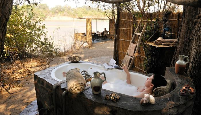 Kaingo Camp bath