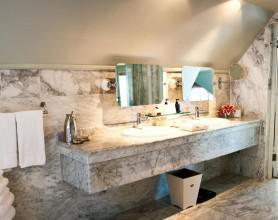 EH_Room7_bathroom