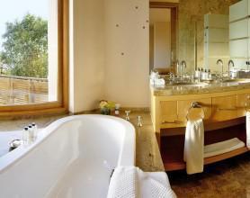 EH_SpaDeck_Bathroom