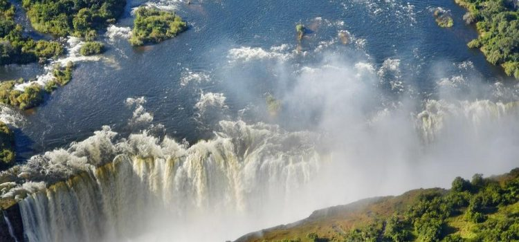 Which Side of the Victoria Falls is Best: Zimbabwe or Zambia?