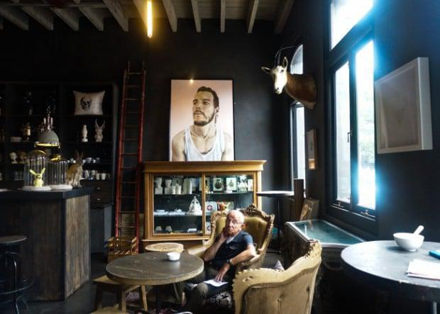 Haas Coffee Shop with striking oil paintings