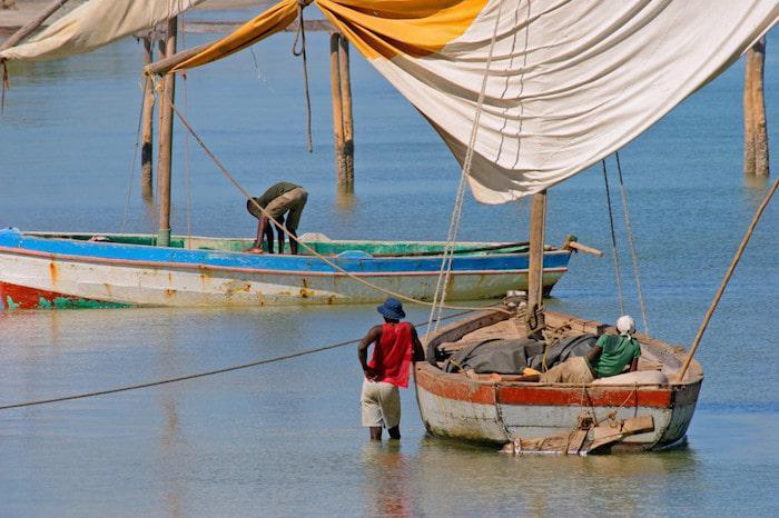 zanzibar-boats