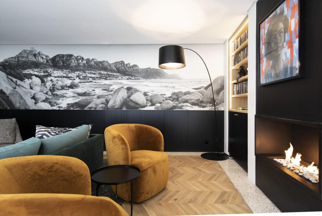 Lounge with wallpaper inspired by Cape Town's mountains
